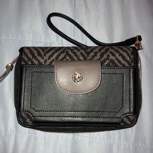 Wristlet with phone compartment | Spartina 449